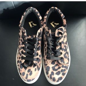 Velvet leopard sneakers .7.5